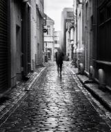 Foto: Linh Hoang   Tittel: After the rain   Sted: Danielsbakerveita   Veita etter regnvær som skinner opp gaten. Noe mystisk stemning ved bruk av ICM.