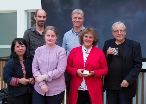 Bakerst fra venstre: Jonas Hallberg Eggen og Ommund Øgård Foran fra venstre: Linh Hoang, Silje Bullgård, Anne Katharine Dahl og Jan Frode Aase. Håkon Grønning var ikke tilstede da bildet ble tatt.