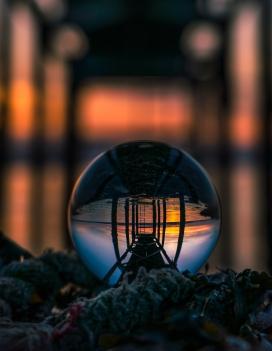 "Morten Mehli ""Glassball i solnedgang"""